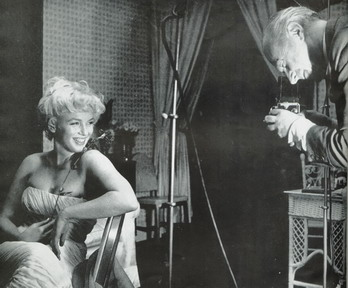 Cecil Beaton photographs Marilyn Monroe, 1957